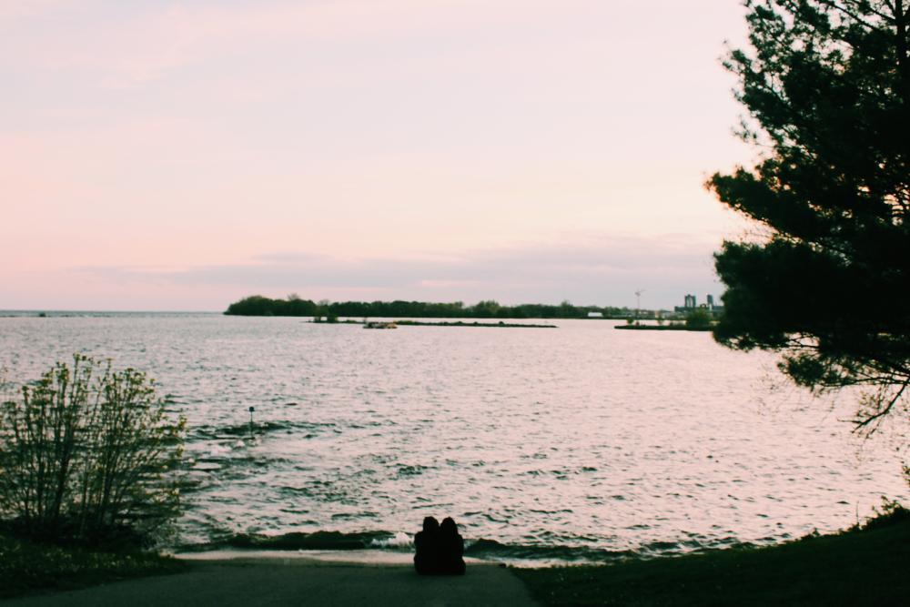 18720628_1495858906806_lake Ontario -